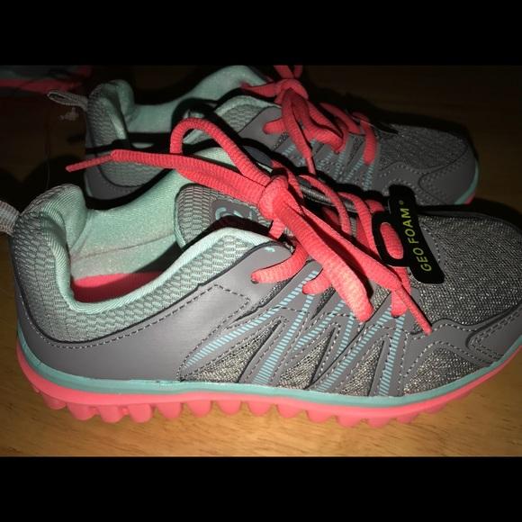 5c333627c7282 Girls Champion C9 Premier 5 Sneakers Size 2
